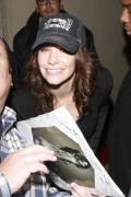 "Evangeline Lilly outside the ""Jimmy Kimmel Live"" studios, 4 October, x3"