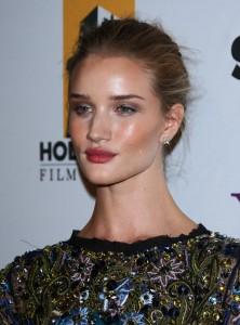Без макияжа Рози Хантингтон-Уайтли выглядит совсем как. - Grazia