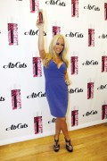 *Adds*Kendra Wilkinson *Cleavage* @ Ab Cuts In Store Signing in LA November 17, 2011 HQ x 7