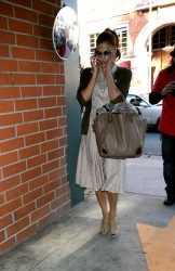 Ева Мендес, фото 4733. Eva Mendes spotted leaving a Medical Building in Beverly Hills, january 18, foto 4733