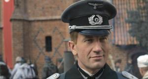 Hans Kloss. Stawka wiêksza ni¿ smieræ (2012) PL.HQDVDRip.XviD.AC3-ELiTE + x264 + Rmvb / Film Polski